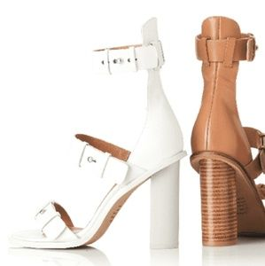 🍅3 for $10 READ!! Alias Mae Leather Sandals